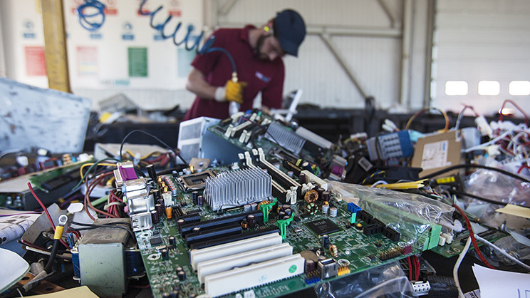 The long and thorny way to greener electronics - chemicals